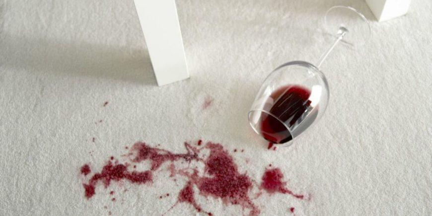 Как вывести пятно от вина фото
